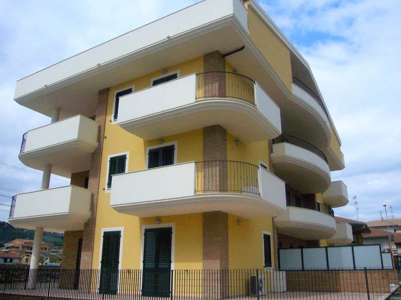 2006: Palazzina residenziale di Tortoreto (TE) - CLEMENTONI COSTRUZIONI Imprese edili Corropoli ...