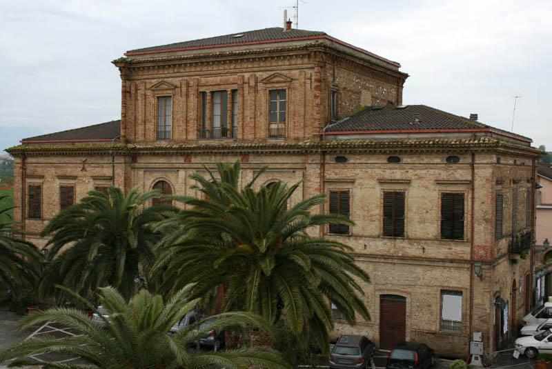 """1976: """"Palazzo Ricci"""" di Corropoli (TE) - CLEMENTONI COSTRUZIONI Imprese edili Corropoli (Teramo ..."""